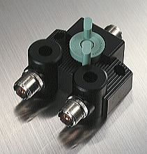 Heavy duty wideband coax switch, DC-1500 mhz, 1.5 kw, N connectors